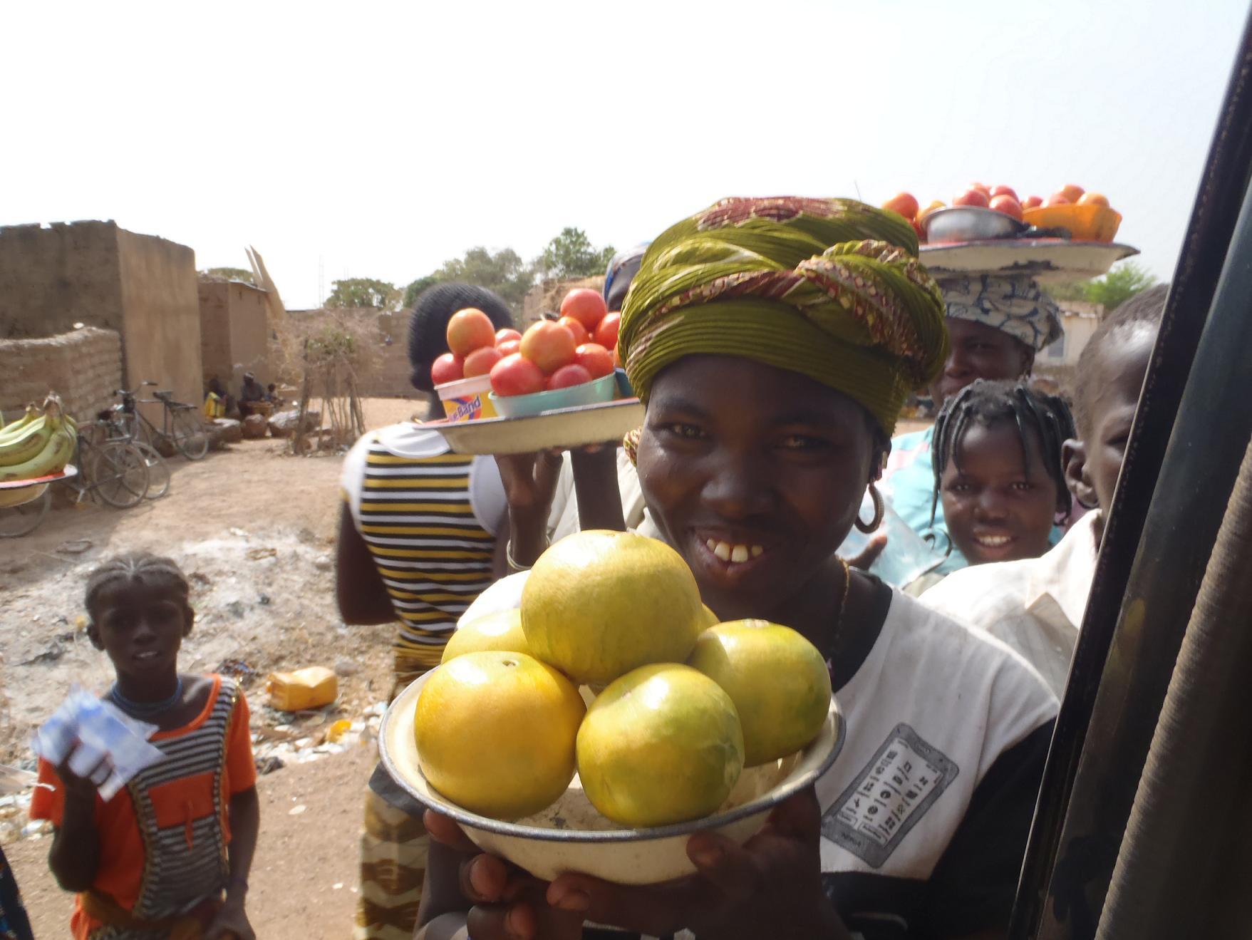 Vente de fruits en bord de route