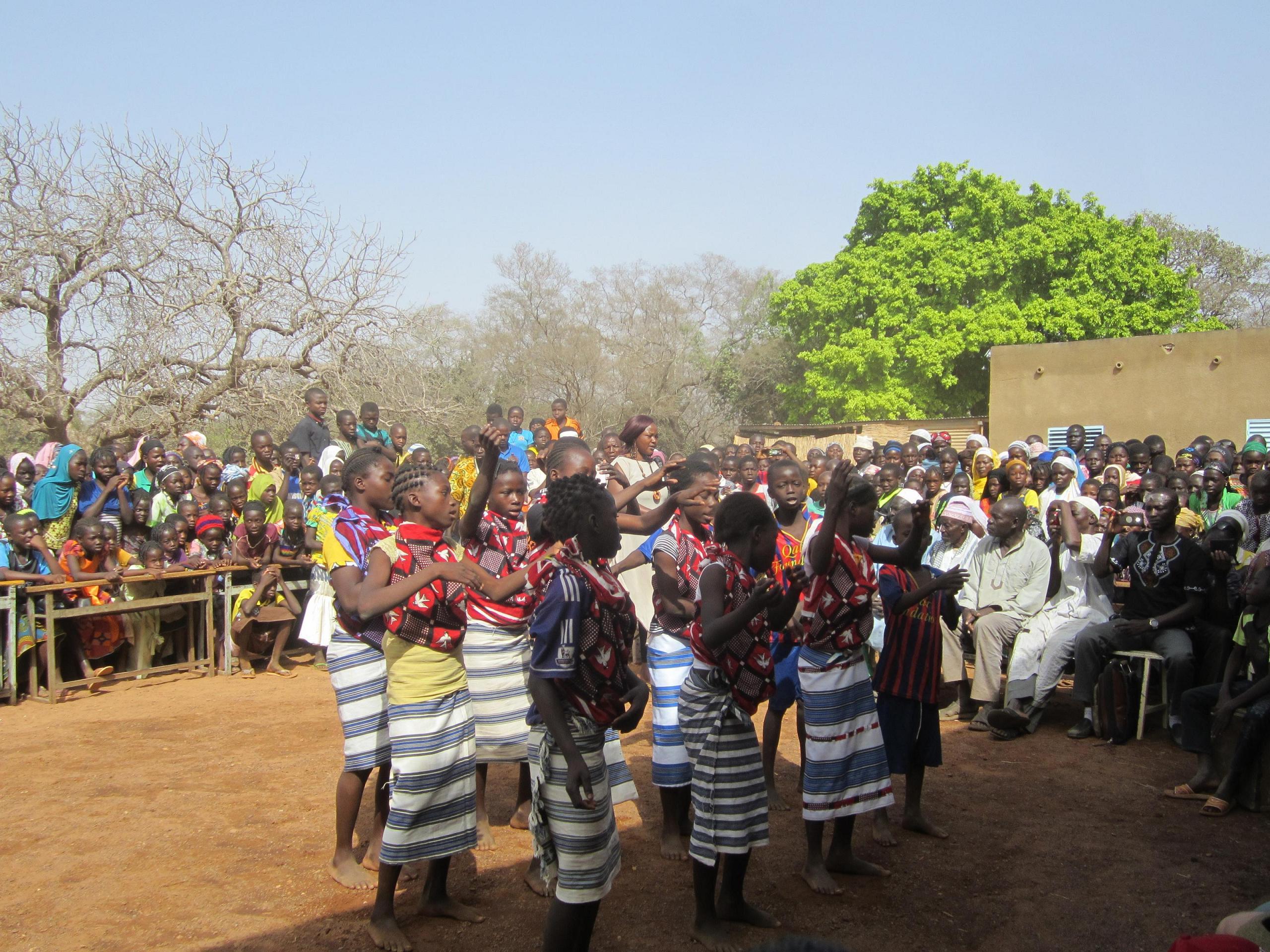 Cérémonie de l\'école de Basgana