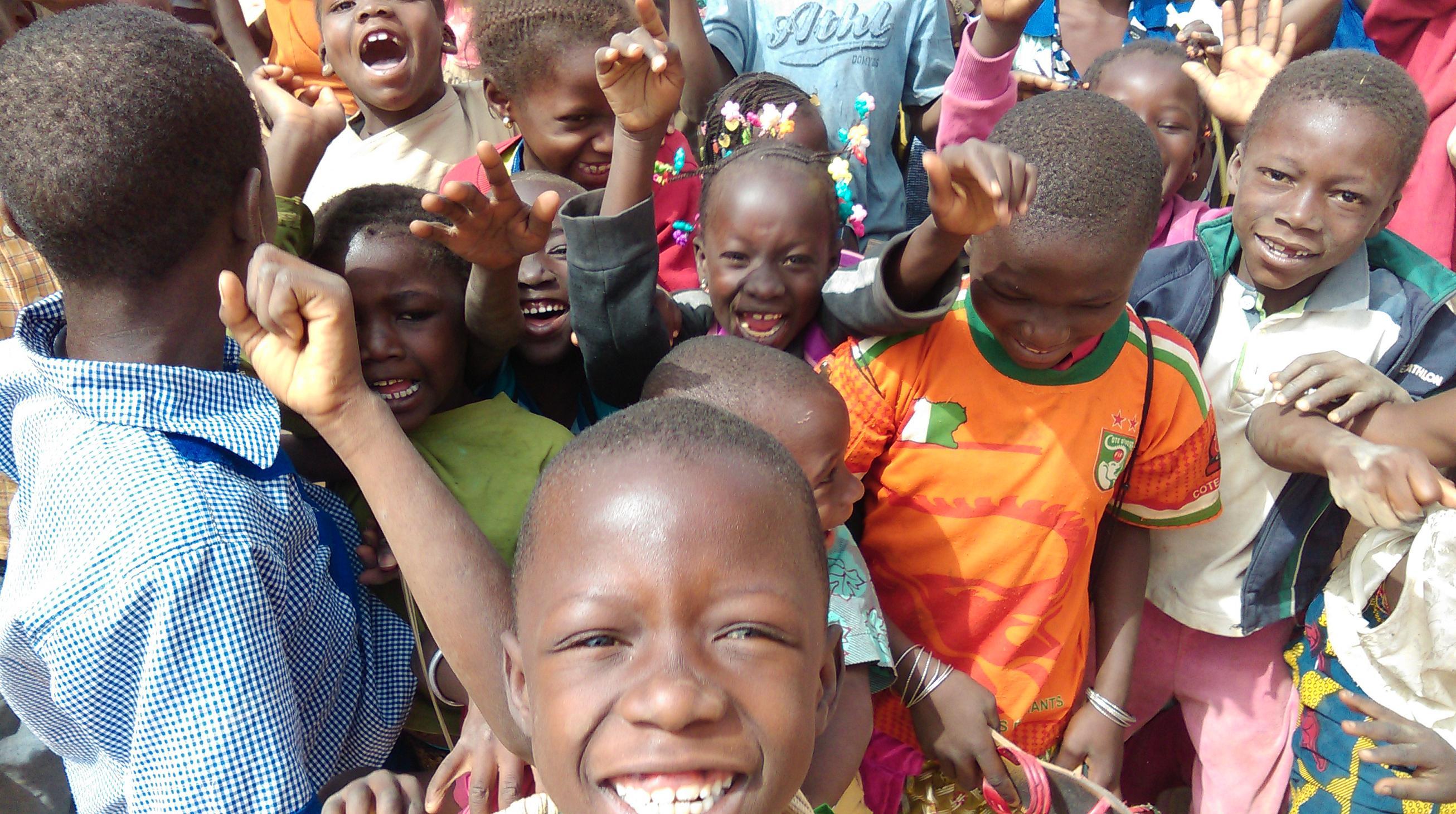 Moment de partage avec les enfants de Wassongdo