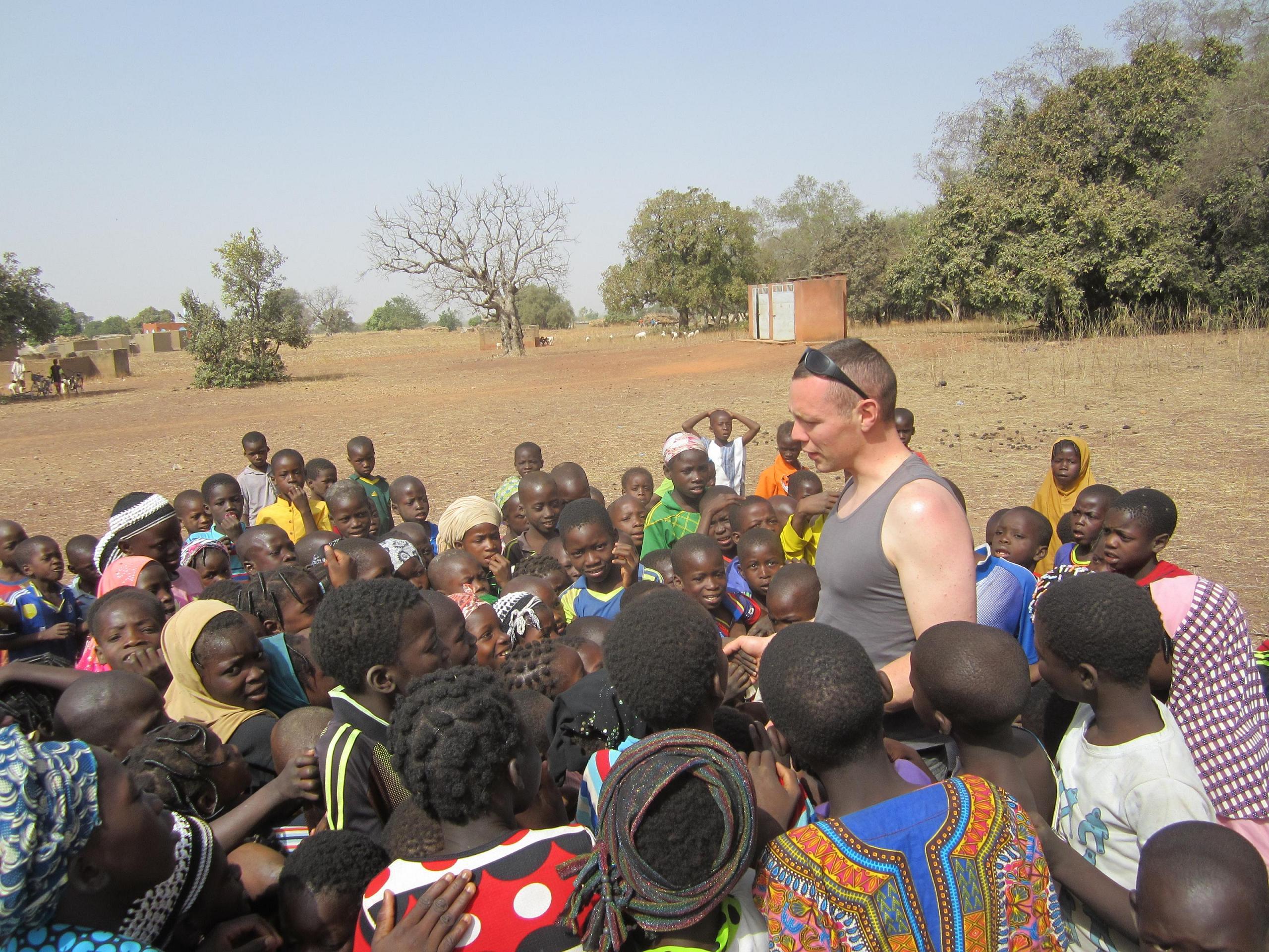 Moment de partage avec les enfants de Basgana